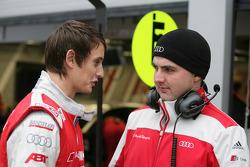 Oliver Jarvis, Audi Sport Team Abt Audi A4 DTM, avec un mécanicien de l'équipe