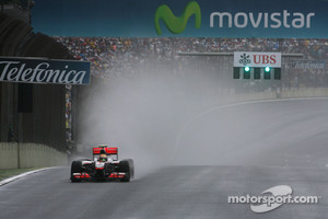 Drivers prepared for rain during Brazilian GP