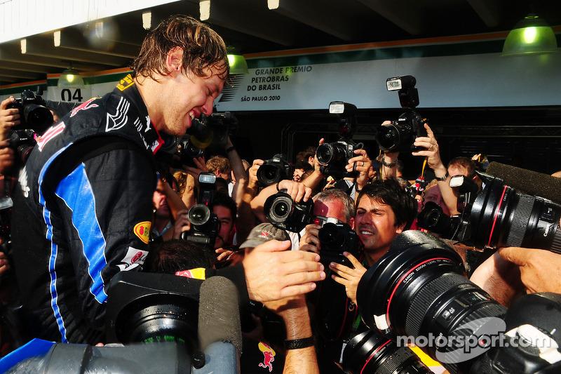 Red Bull Racing team celebration: race winner Sebastian Vettel, Red Bull Racing