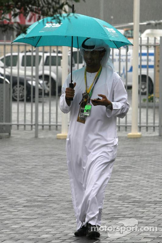 Regen op Abu Dhabi