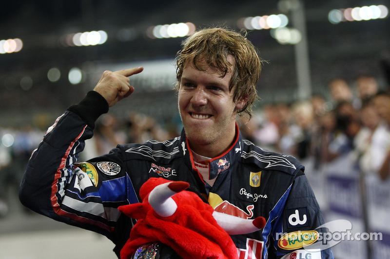 Переможець гонки та чемпіон світу 2010 року Себастьян Феттель, Red Bull Racing