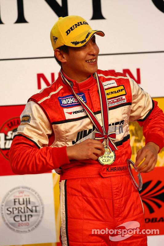 Podium GT300: winnaar Katsiyuki Hiranaka