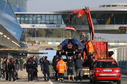Jaime Alguersuari, Scuderia Toro Rosso stopped on the track