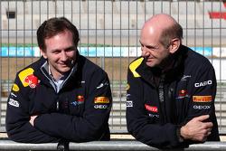 Кристиан Хорнер, руководитель команды Red Bull Racing и Эдриан Ньюи, технический директор Red Bull Racing