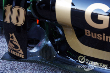 Lotus Renault looking to replace old exhaust configuration
