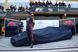 Jaime Alguersuari, Scuderia Toro Rosso and Sebastien Buemi, Scuderia Toro Rosso unveil the STR6