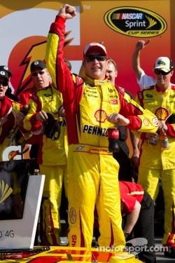 Victory lane: race winner Kurt Busch, Penske Racing Dodge celebrates