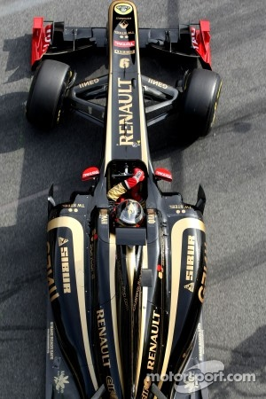 Renault can keep the black and gold livery
