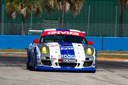 #032 GMG Racing Porsche 911 GT3 Cup: Bret Curtis, James Sofronas, Jan Seyffarth