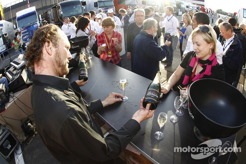 Champagne at Circuit Paul Ricard