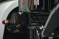 McLaren Mercedes, Technical detail, rear suspension and brake