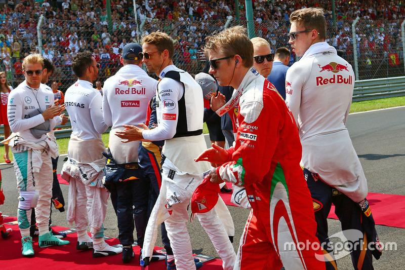 Kimi Raikkonen, Ferrari durante el himno nacional