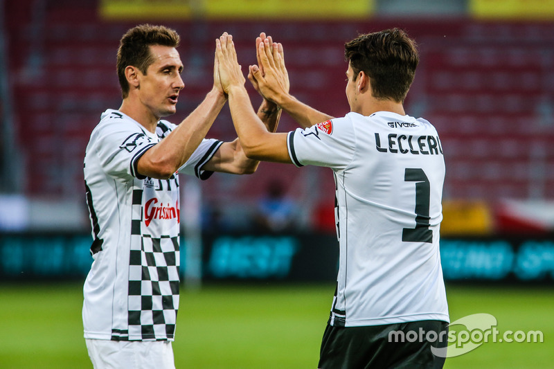 Miroslav Klose, jugador de futbol y piloto Charles Leclerc