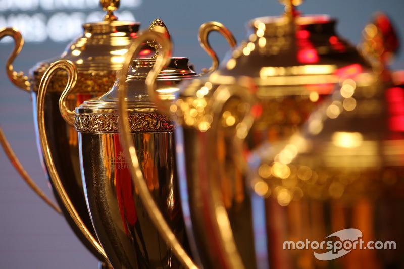 Wie zouden er met de trofeeën vandoor gaan?