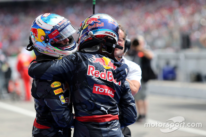 Red Bull Racing: 33 очка