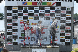 GT-Cup-Podium: 1. Alec Udell; 2. Sloan Urry; 3. Corey Fergus