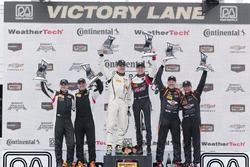 Podio ST: vincitori #17 RS1 Porsche Cayman: Nick Galante, Spencer Pumpelly