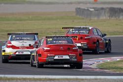 José María López, Citroën World Touring Car Team, Citroën C-Elysée WTCC, Tom Chilton, Sébastien Loeb Racing, Citroën C-Elysée WTCC, Yvan Muller, Citroën World Touring Car Team, Citroën C-Elysée WTCC durante la calificación  MAC3