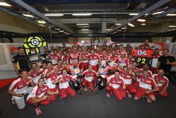 Ganador, Andrea Iannone, Ducati Team, segundo, Andrea Dovizioso, Ducati Team y Ducati Team