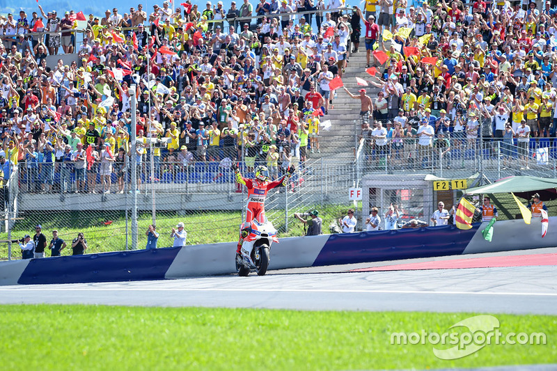 Winner Andrea Iannone, Ducati Team