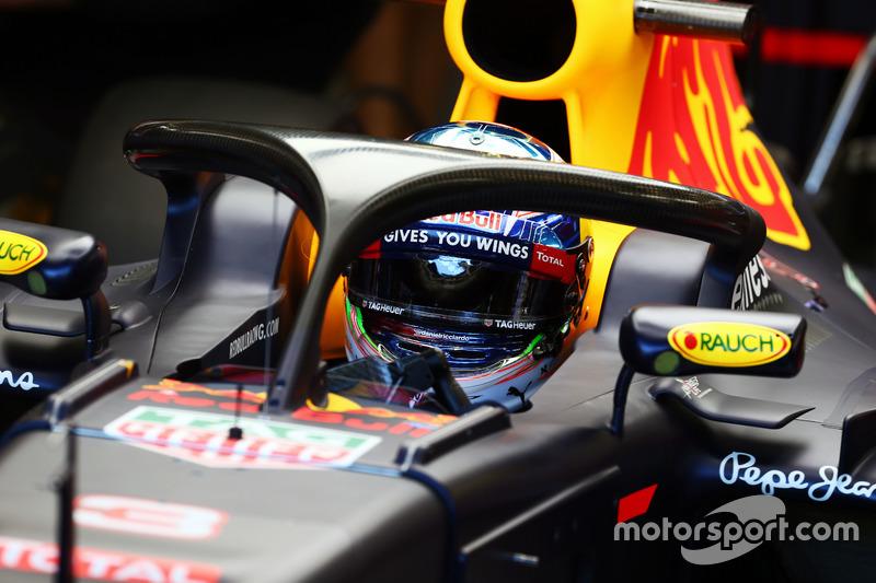Daniel Ricciardo, Red Bull Racing RB12 Halo kokpit ile