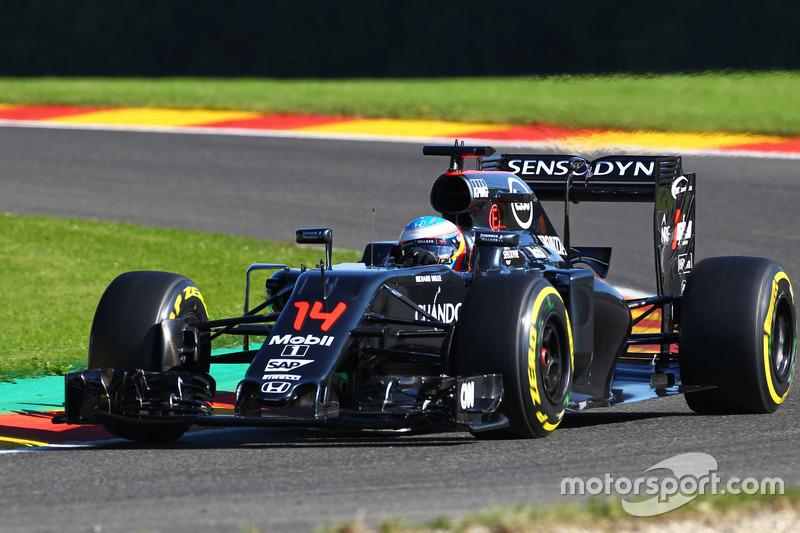 22º Fernando Alonso, McLaren MP4-31 (60 posiciones de sanción)