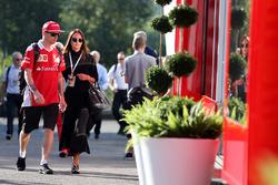 Kimi Raikkonen, Scuderia Ferrari con la moglie Minttu
