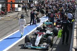 Rennunterbrechung: Nico Rosberg, Mercedes AMG F1 W07 Hybrid