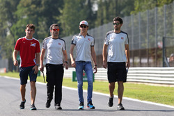 Charles Leclerc, Testfahrer, Haas F1 Team; Esteban Gutierrez, Haas F1 Team