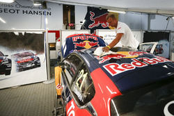 Team Peugeot Hansen garage