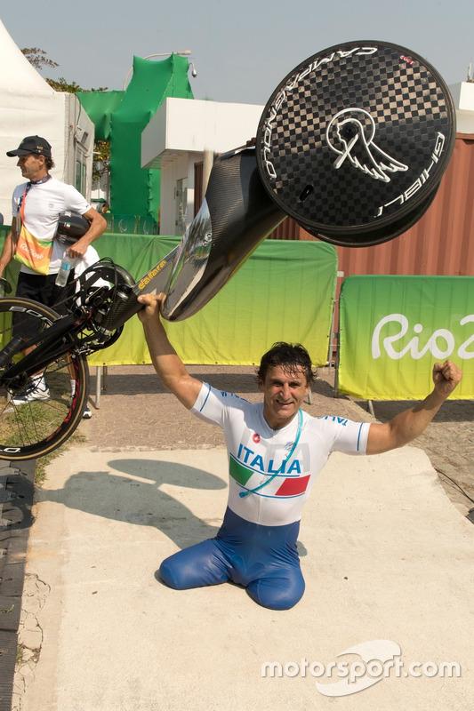 Алекс Занарді в Ріо-де-Жанейро на Паралімпійських іграх
