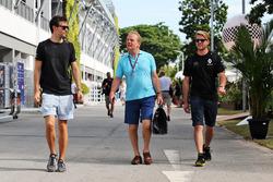 Джолион Палмер, Renault Sport F1 Team, Джонатан Палмер и Джек Кларк, физиотерапевт