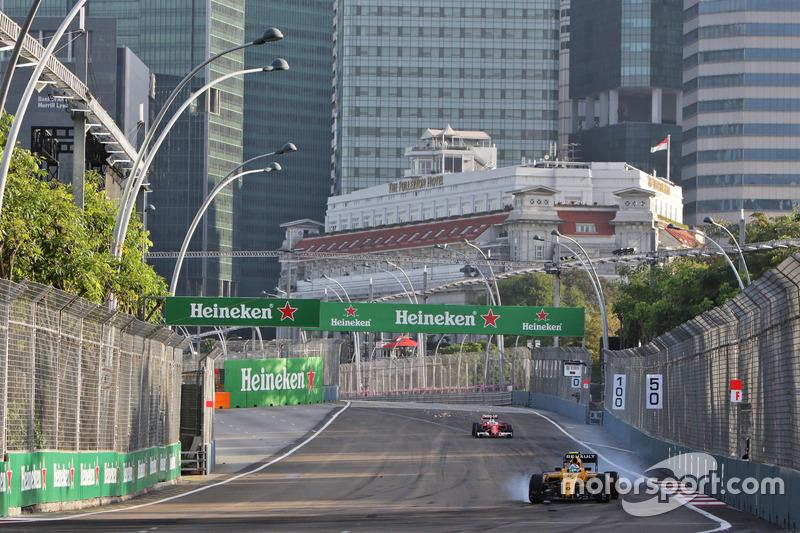 Jolyon Palmer, Renault Sport F1 Team RS16 va al bloccaggio in frenata