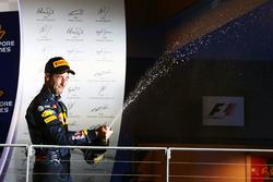 Daniel Ricciardo, Red Bull Racing festeggia il secondo posto sul podio