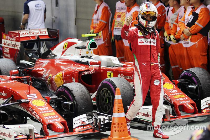 Sebastian Vettel, Ferrari SF16-H nel parco chiuso