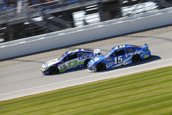 Casey Mears, Germain Racing Chevrolet, Clint Bowyer, HScott Motorsports Chevrolet