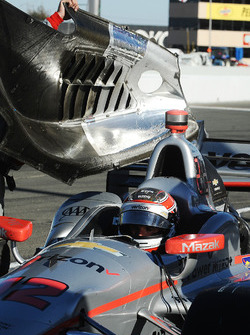 Will Power, Team Penske Chevrolet in mechanical trouble