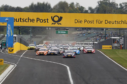 Marco Wittmann, BMW Team RMG, BMW M4 DTM and Jamie Green, Audi Sport Team Rosberg, Audi RS 5 DTM with problems