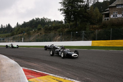 Sunday Grand Prix cars race