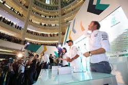 Nico Rosberg, Mercedes AMG F1, Lewis Hamilton, Mercedes AMG F1