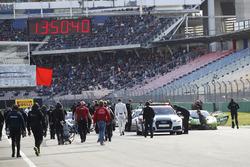 #77 Callaway Competition, Corvette C7 GT3: Jules Gounon, Daniel Keilwitz kazasının ardından grid