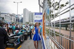 Chica de la parrilla de Nelson Piquet Jr., NEXTEV TCR Formula E Team