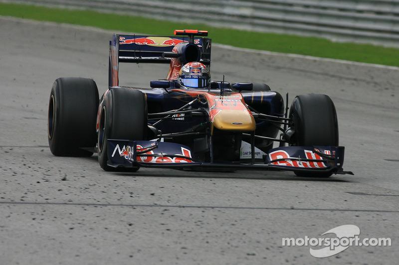 2011: Toro Rosso STR6 (два седьмых места, 8-е место в КК)