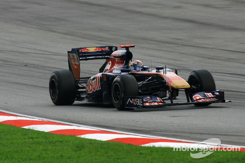 2011. Toro Rosso STR6 Ferrari