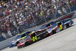 Start: Jeff Gordon, Hendrick Motorsports Chevrolet and Jimmie Johnson, Hendrick Motorsports Chevrolet lead the field
