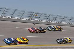 Brad Keselowski, Penske Racing Dodge and Kurt Busch, Penske Racing Dodge lead the pack