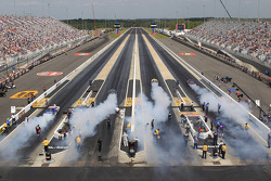 4 Wide Burnout at z-Max Dragway