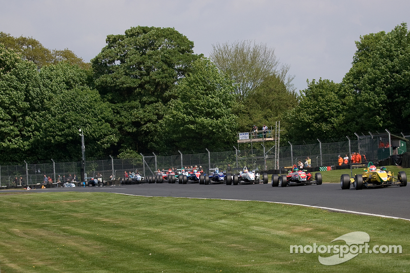 Felipe Nasr leads from the front