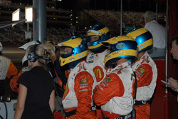 Sébastien Bourdais' crew keeps tabs on post-Tracy crash damage