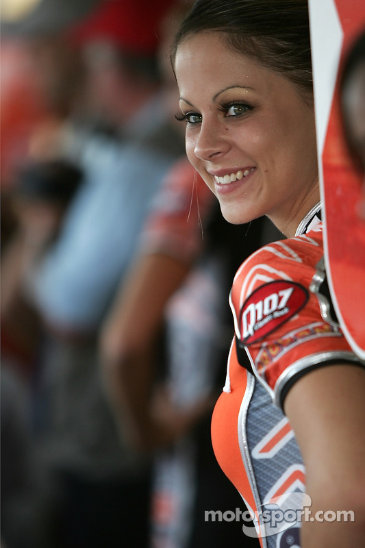 Une jeune fille de Champ Car